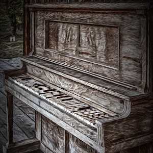 Old piano 2-1.jpg