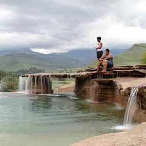 Bushmans Nek Horizan  by Victor Queiroz - City,  Street & Park  Fountains