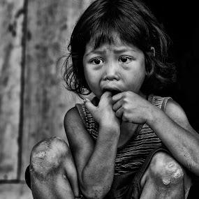 Miserable child by Dungrau FôTô - Babies & Children Children Candids