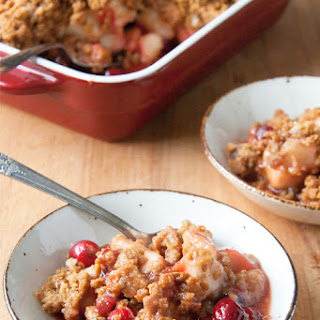 Pear Cranberry Crisp with Gingersnap Crumble