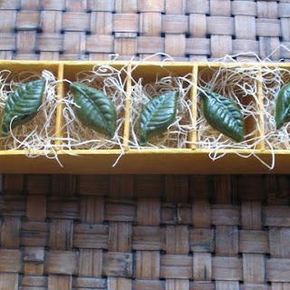 WHITE CHOCOLATE GREEN TEA LEAVES