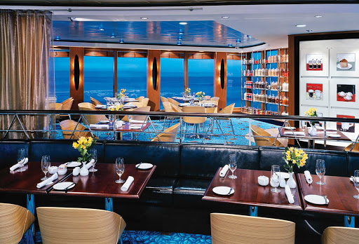 Norwegian-Jewel-dining-Blue-Lagoon - Norwegian Jewel's Blue Lagoon restaurant is a 24-hour casual dining spot serving American comfort food and beautiful ocean views.