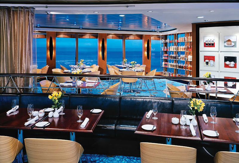 Norwegian Jewel's Blue Lagoon restaurant is a 24-hour casual dining spot serving American comfort food and beautiful ocean views.