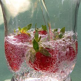 Strawberries by Ana France - Food & Drink Fruits & Vegetables ( 2014 -04 -30 jagoda )