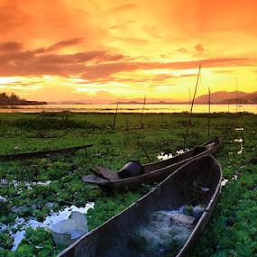 Sunset Time by Edwin Yepese - Landscapes Sunsets & Sunrises ( sunset & sunrise, backgrounds, landscape )