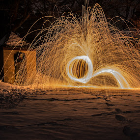 by Giles Perkins - Abstract Light Painting