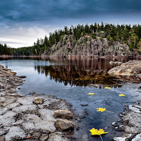 Autumn at Lake Falkasjön and Falkaberget mountain, Sweden. by Per-Ola Kämpe - Landscapes Mountains & Hills ( mountain, autumn, fall, forest, lake, leaves,  )