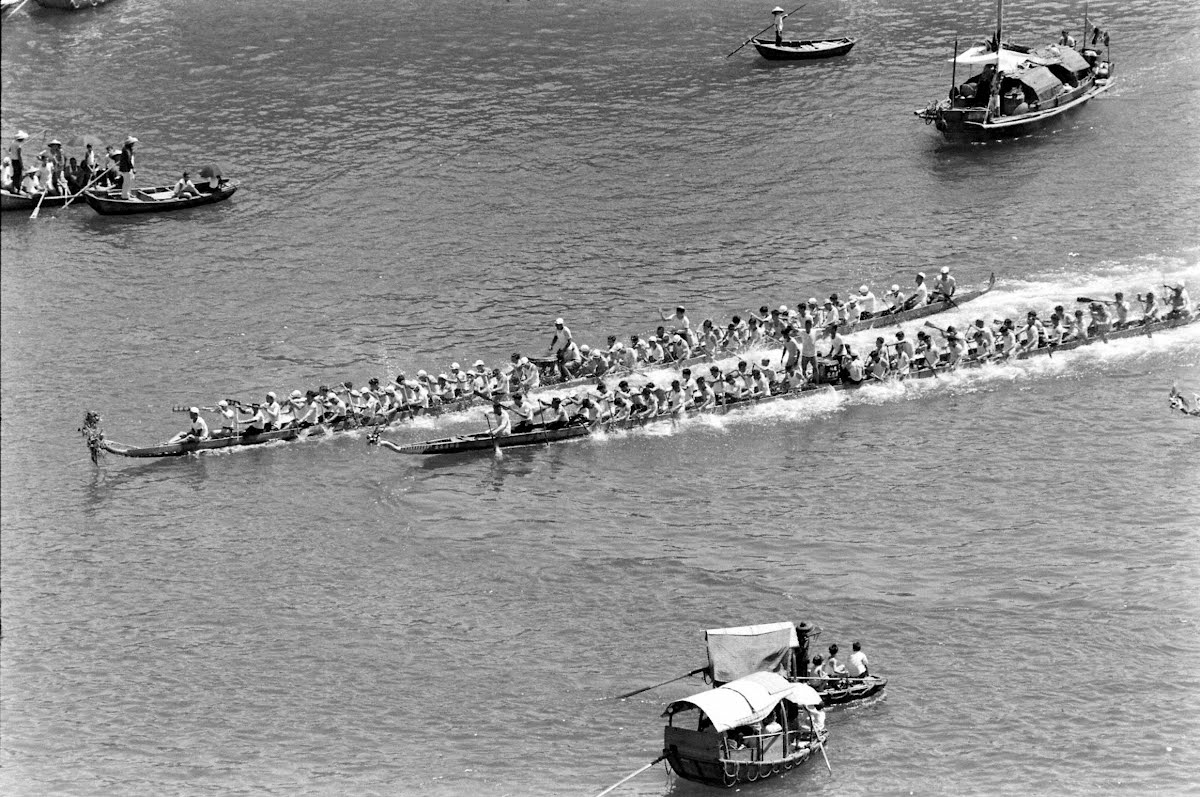 Hong Kong Affair Called The Dragon Boat Race