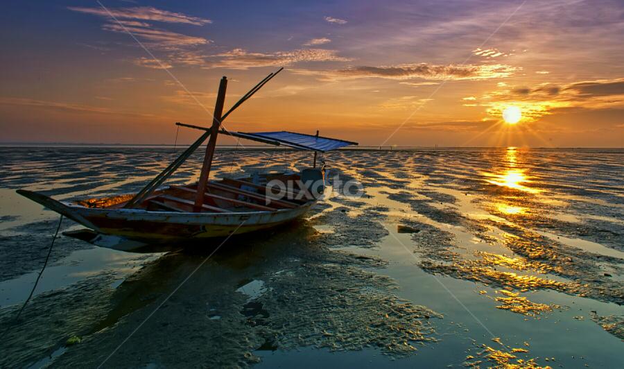cloudy sunrises by Ahmad Sahroni - Transportation Boats (  )