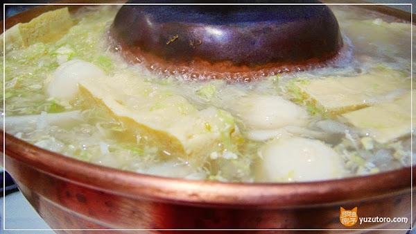 圍爐酸菜白肉火鍋