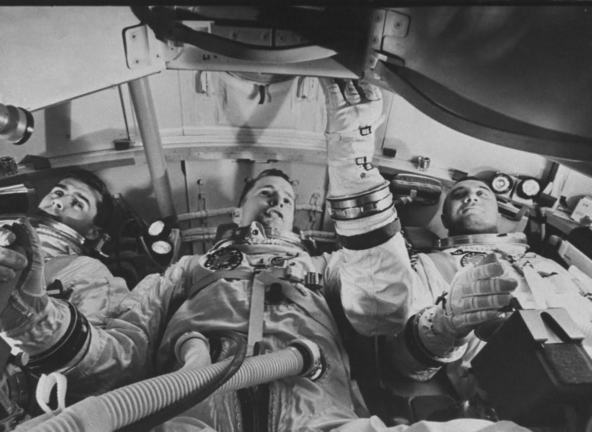 astronauts apollo 1 - 736×527
