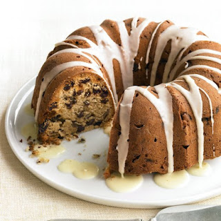 Glazed Pecan-Raisin Cake