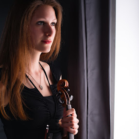 Laura's Dream by Johannes Oehl - People Musicians & Entertainers ( music, studio, girl, violin, woman, laura, young, pretty,  )