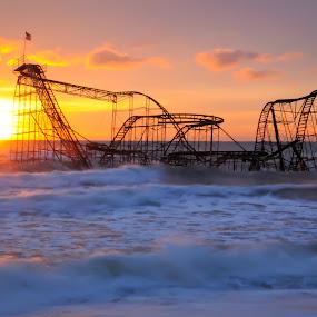 Jetstar sunrise by Desiree DeLeeuw - News & Events Disasters ( hurricane sandy, roller coaster, sunrise, seaside, jetstar, golden hour, sunset )