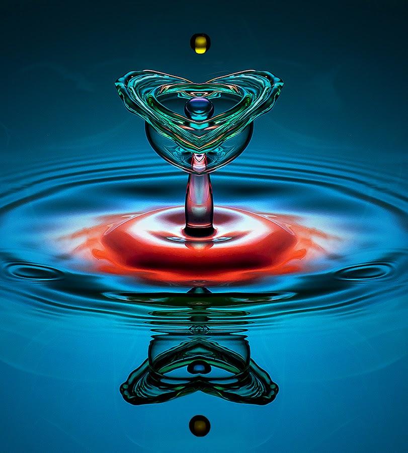 Heart of Glass by Chandra Irahadi - Abstract Water Drops & Splashes (  )