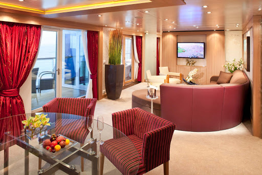 Seabourn_Wintergarden_Suite - The exceptional Wintergarden Suite has a private glassed-in Solarium with a soaking tub and a lounging bed. It also features a veranda that's bowed out, giving wonderful views of the side of the ship.