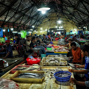 Pasar Ikan Pabean by Herry Wibowo - City,  Street & Park  Markets & Shops