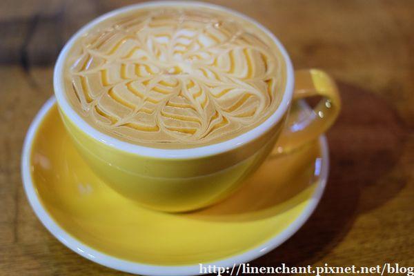 【DIGOUT】像蛋塔的黑糖咖啡...