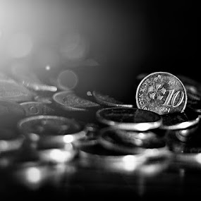 Coins In Black & White by Budin DaneCreative - Black & White Objects & Still Life ( cls, creative, coin, black & white, 50mm, malaysia, mono color, nikon d90, currency, lighting, coins, money, sen, nikon, malaysian currency,  )