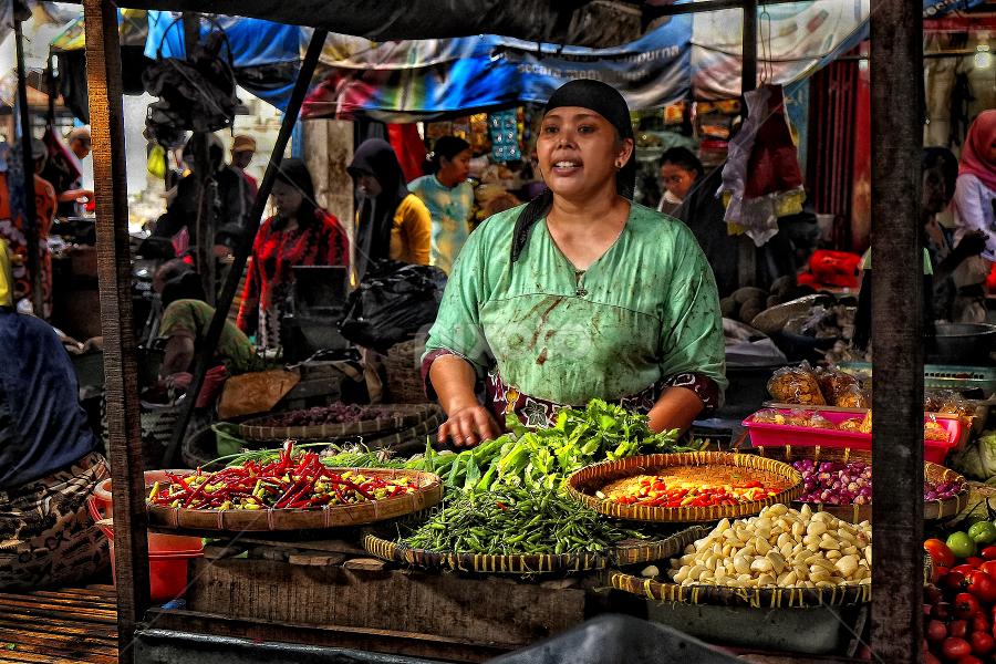 Pasar Kebalen by Herry Wibowo - People Professional People