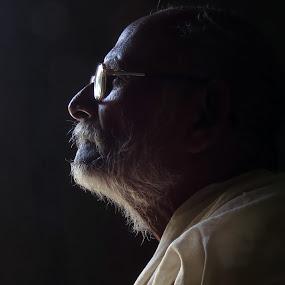 Portrait by Kishan Meena - People Portraits of Men ( potrait, halftone, light )