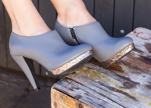 Grey leather and bronze glitter bootie