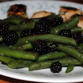 Fresh Oregano and Blackberry Green Beans