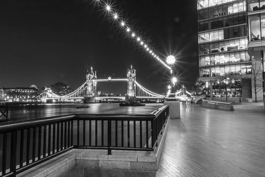 London Bridge at night by Steve Trigger - Buildings & Architecture Bridges & Suspended Structures