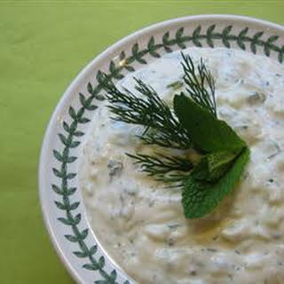Tzatziki Sauce (Yogurt and Cucumber Dip).