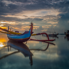 .:: blue-red ::. by Setyawan B. Prasodjo - Transportation Boats