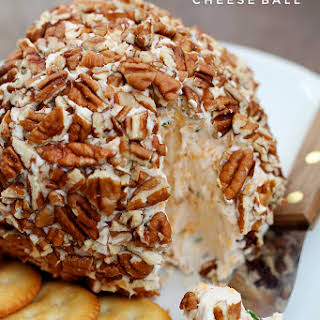 Bacon Cheddar Cheese Ball.