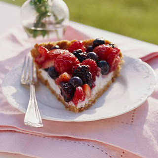 Berry Pie with Creamy Filling
