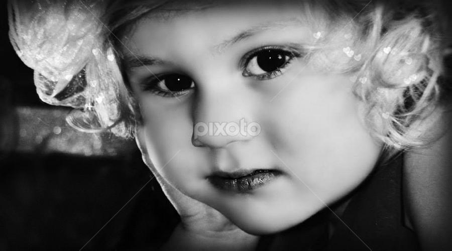 by Kelly Hutchison - Babies & Children Child Portraits