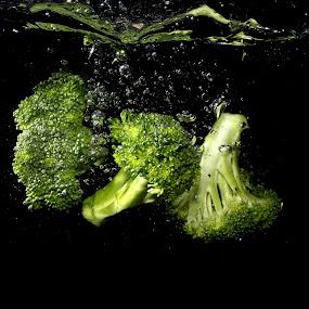Fresh Broccoli by Benyamin Kristiawan - Food & Drink Fruits & Vegetables ( fresh, broccoli, high speed, vegetable )