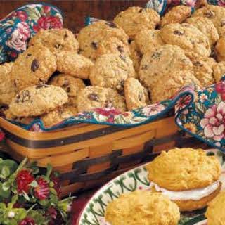 Maple Raisin Oatmeal Cookies.