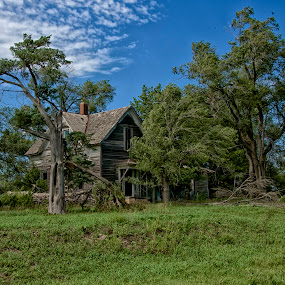 Spooky House by Hugh Hazelrigg - Buildings & Architecture Decaying & Abandoned ( exterior, pixoto, neglect, derelict, architecture, kansas,  )