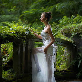LAVERNA by Amin Basyir Supatra - Wedding Bride ( love, bali, sexy, prewedding, wedding, white, bride )