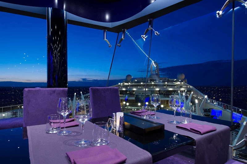 MSC Preziosa's contemporary Galaxy Restaurant offers dining by day and dancing in a panoramic disco by night.