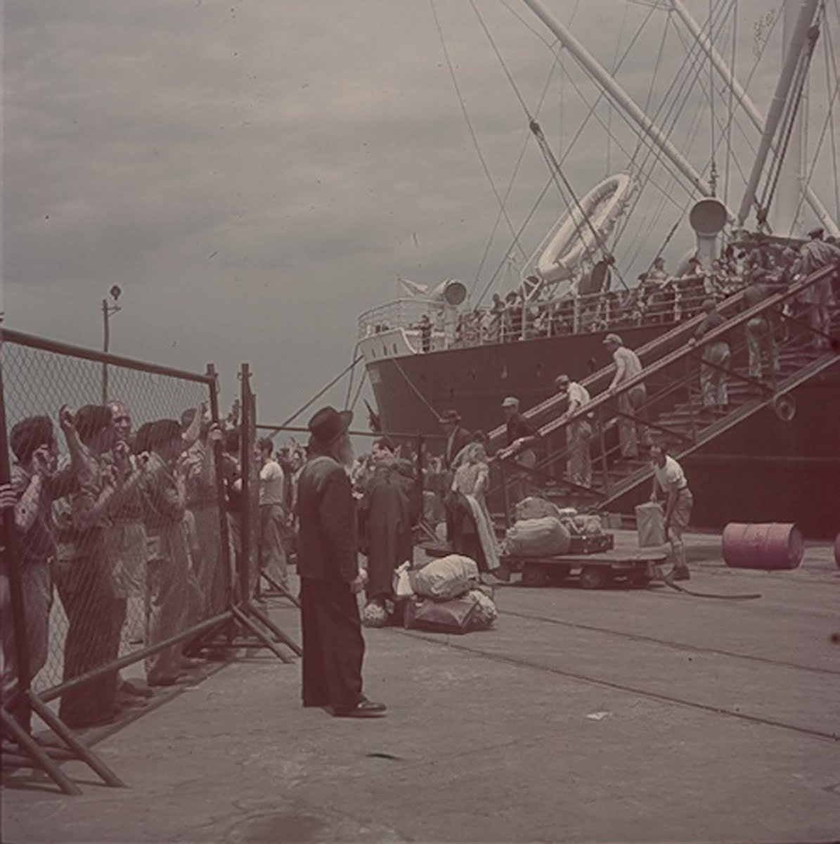 Jews Landing In Haifa