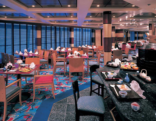 Norwegian-Sun-dining-Ginza-Sushi - Ginza Sushi on Norwegian Sun has elegant interiors and delicious Asian dishes.