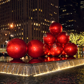 by Alexandra Tsalikis - Public Holidays Christmas ( water, red, decoration, christmas, night, object )