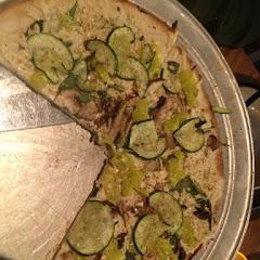 Veggie pizza, daiya cheese.