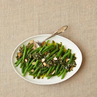 Green Beans with Almond Pesto