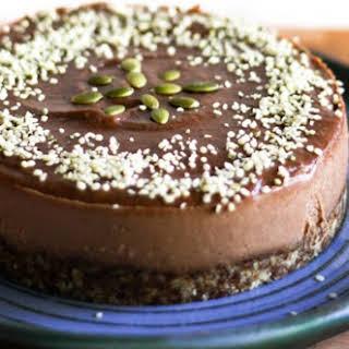 Quick and Easy Raw Vegan Chocolate Cake.