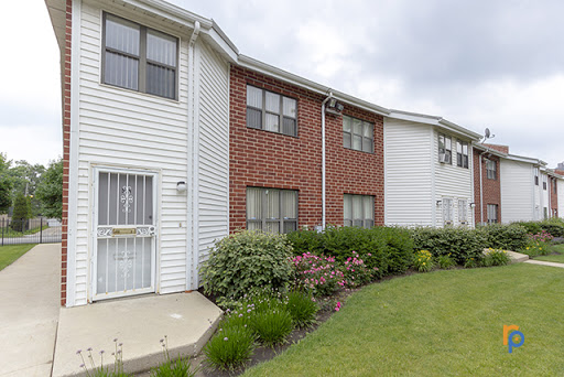 4631 s lake park ave in chicago illinois wolcott apartments for 3 bedroom apartments in lake county il