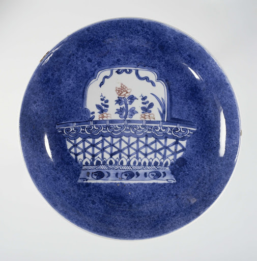 Saucer-dish with powder blue and flower basket
