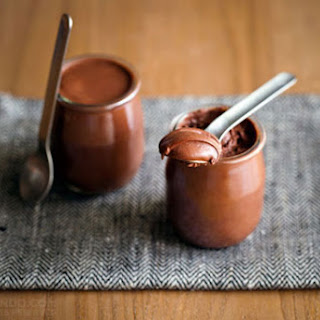 INSTANT CHOCOLATE MOUSSE (CHOCOLATE CHANTILLY).