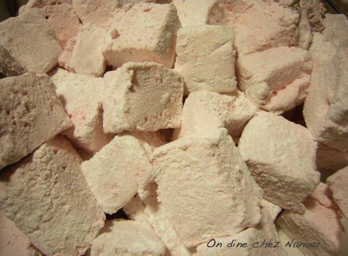 Fluffy Strawberry Marshmallows