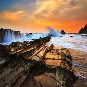 Sunset Tanjung Layar by Hendri Suhandi - Landscapes Waterscapes ( hendri suhandi, sunset, sawarna, tanjung layar, beach, banten )