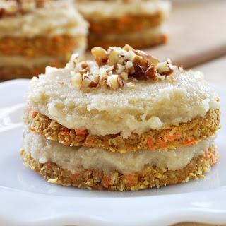 Raw Vegan Mini Carrot Cakes + Maple Vanilla Frosting.
